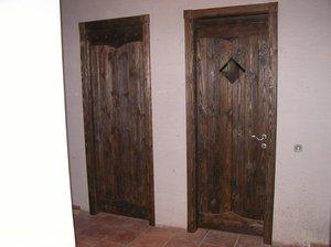 Двери из массива дерева межкомнатные