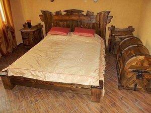 Кровать под старину из сосны