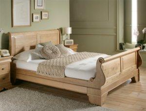 Элитная кровать из массива