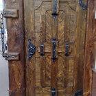 Дверь уличная деревянная для загородного дома
