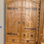 Шкаф деревянный в прихожую